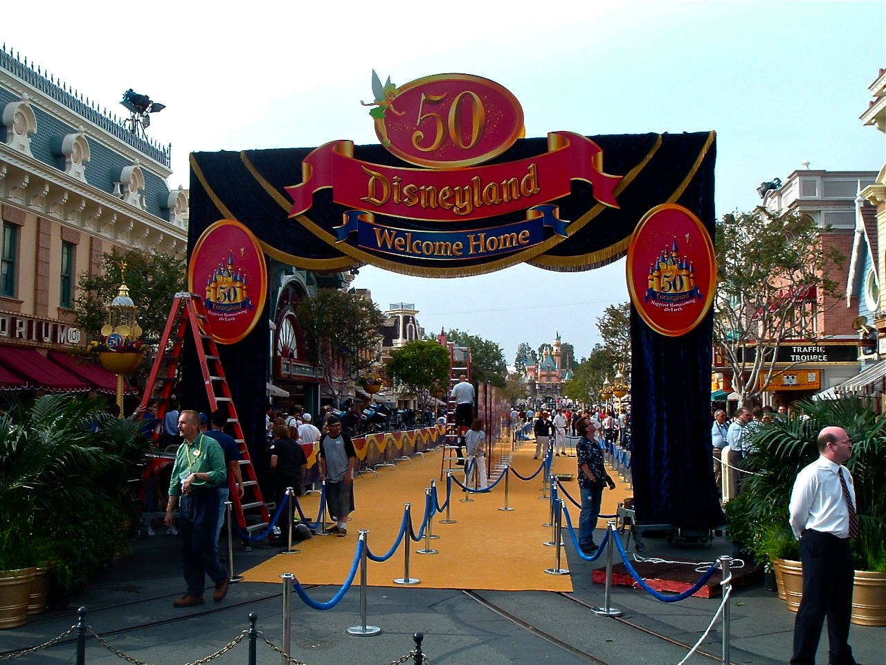 In May of 2005, Disneyland started its celebration for their 50th anniversary.  To start the event, Disneyland had a press day where Disneyland was closed to the public.  Fortunately for […]