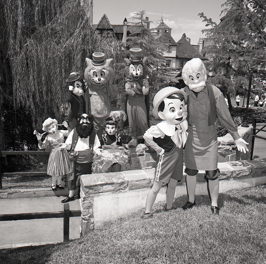 The Disney Parks blog posted an incredible photo of Pinocchio and his supporting cast at the Magic Kingdom of Walt Disney World. What a unique opportunity to see these rare […]
