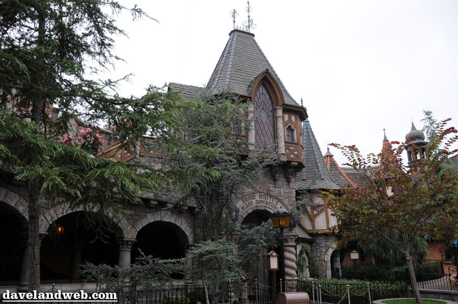 """Welcome to another Trivia Tuesday. Before we get on to our trivia question, let's answer last week's question, shall we? Remember the question? """"After 'American Sings'closed at Disneyland, its animatronics […]"""