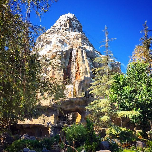 Happy #matterhornmonday! #matterhorn #fantasyland #disneyland
